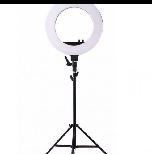 Led  V290 ring lite with comes with stand